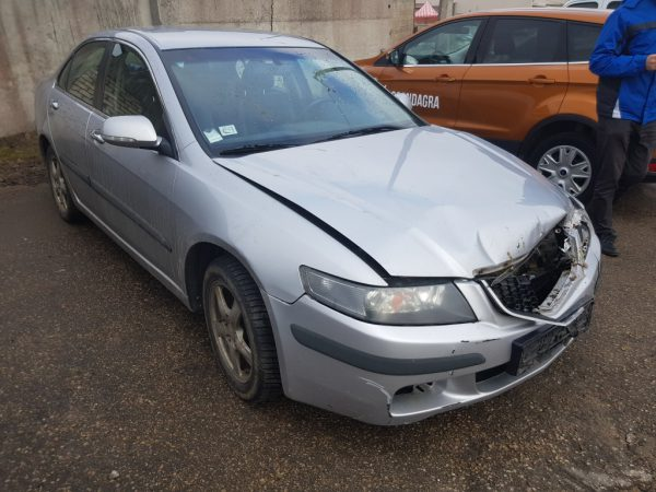 HONDA ACCORD 2004. gads
